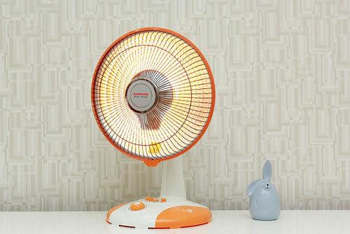 Quạt sưởi ấm là thiết bị được ưa chuộng vào mùa đông vì giá thành rẻ, mẫu mã phong phú và khả năng làm ấm nhanh.