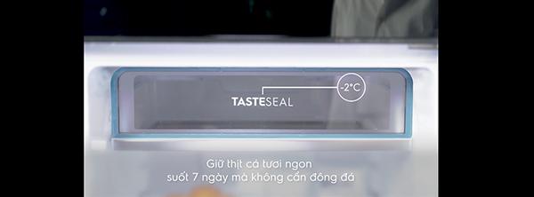 ngan-dong-mem-tasteseal-2-do-c-tren-tu-lanh-electrolux